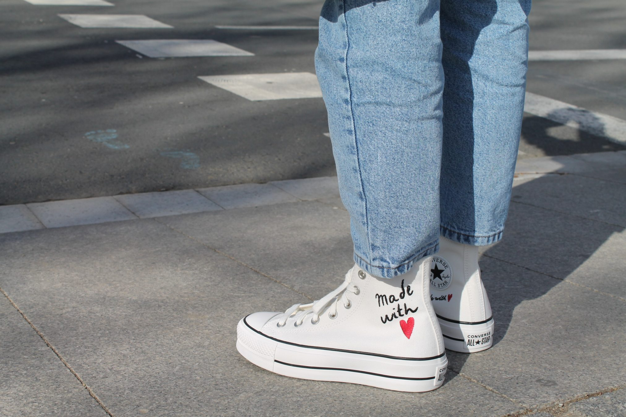 """Converse """"made with love"""